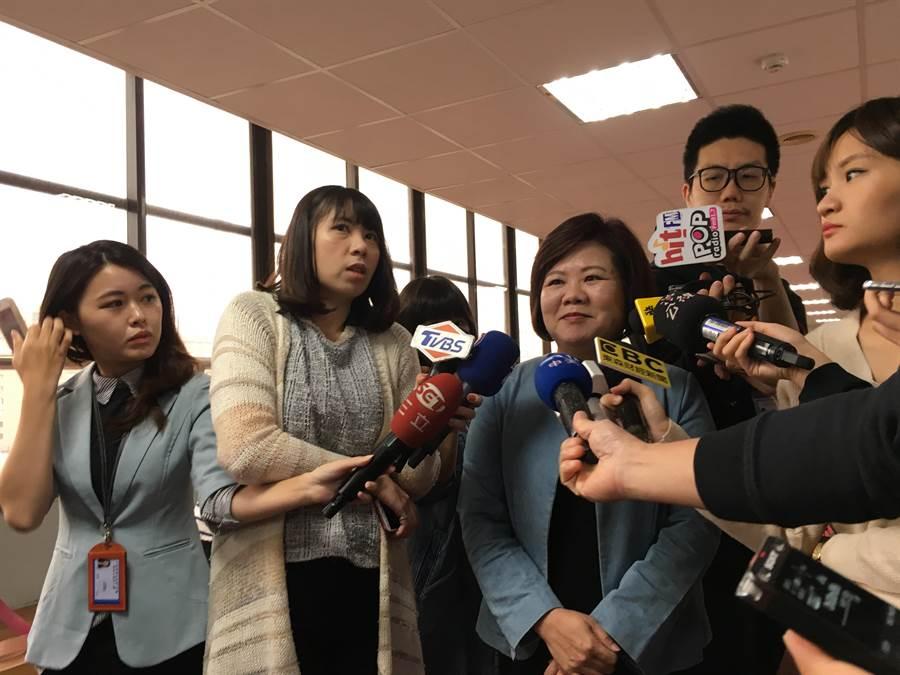 勞動部長許銘春表示,提高薪資需要政府與民間一起努力。(游昇俯攝)