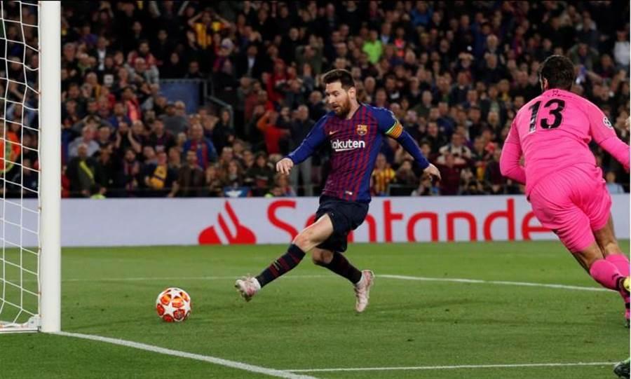 梅西在第75分鐘把握第二波攻勢,輕鬆把打中門楣彈回來的球送入空門。(路透)