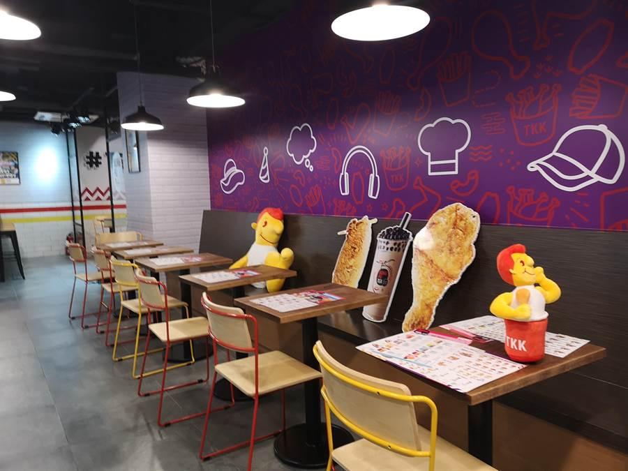 頂呱呱在台北東區開 全新概念店 ,裝潢非常時尚。(圖/姚舜)