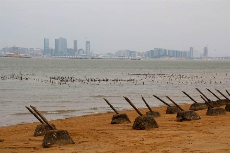 小金門20餘公里蜿蜒海岸線,蘊藏豐富生態資源。(李金生攝)