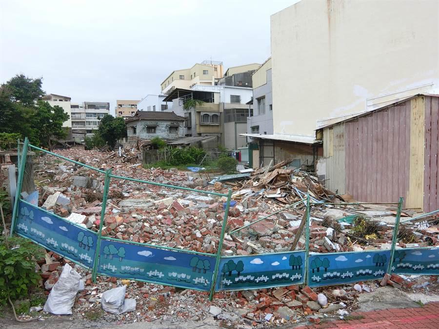目前已有部分同意拆遷戶進入拆除。(曹婷婷攝)