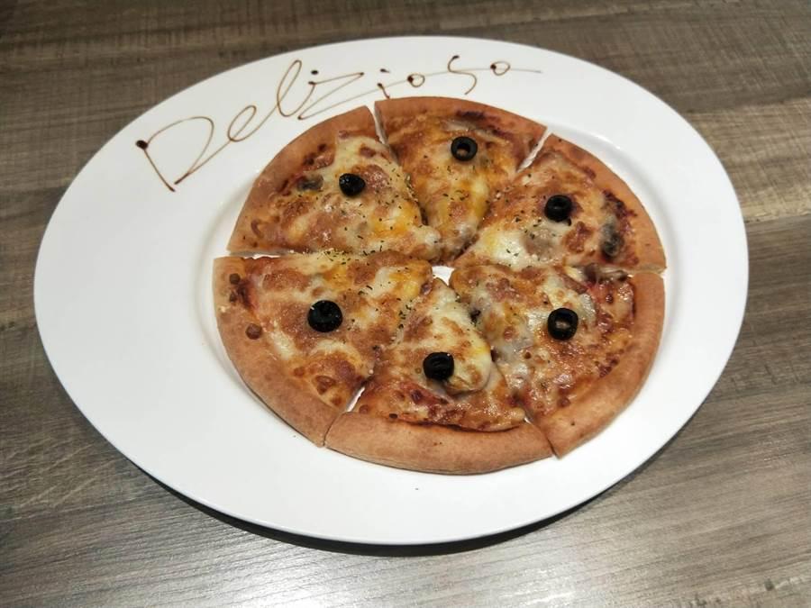 迷迭香春雞披薩。(陳淑娥攝)