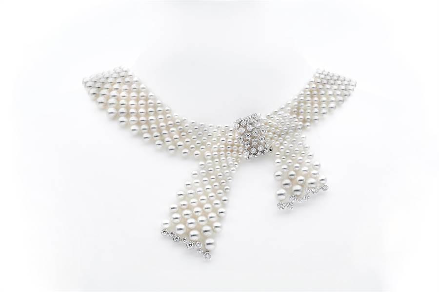 MIKIMOTO「 Jeux de Rubans」頂級珠寶Akoya珍珠鑽石緞帶項鍊,約170萬元。(MIKIMOTO提供)