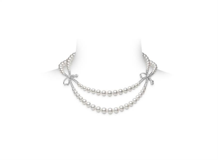 MIKIMOTO「 Jeux de Rubans」頂級珠寶Akoya珍珠鑽石蝴蝶結項鍊,約230萬元。(MIKIMOTO提供)