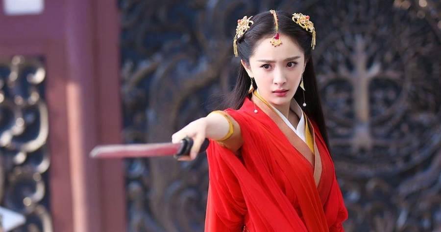 楊冪在《扶搖》中飾演女主角扶搖,武打戲分重。(中天提供)