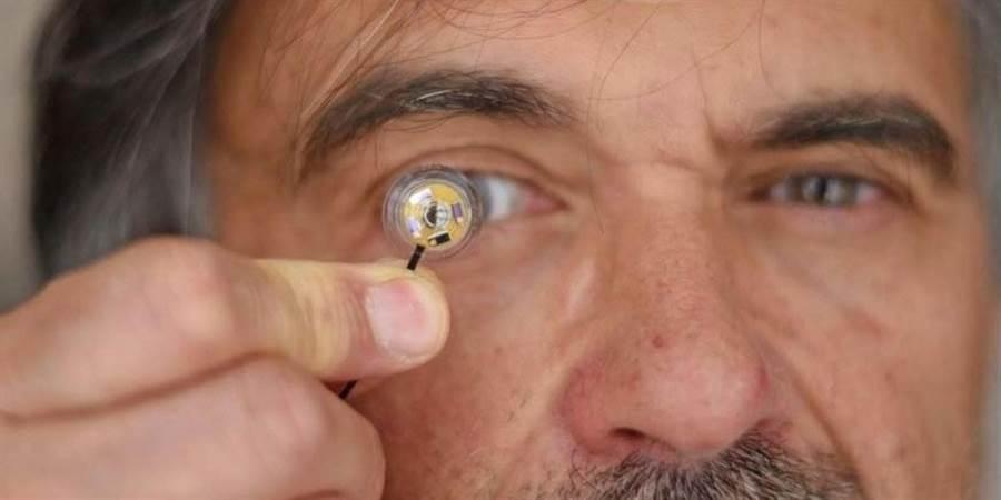 法國研究團隊做出電子隱形眼鏡,可以傳輸資訊。(圖/task and purpose)
