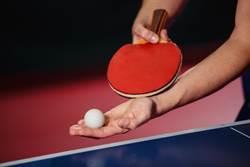神接球! 乒乓選手真實上演「躺著贏」 對手反應不及超傻眼