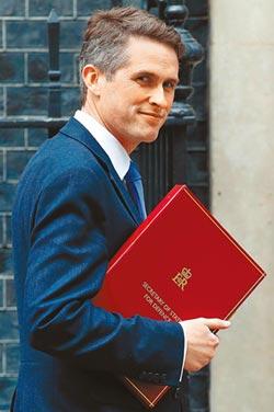 華為案祭品 英國防大臣洩密丟官