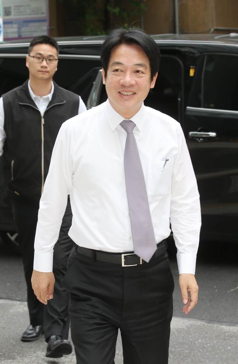 前行政院長賴清德3日接受Hit fm台北之音「周玉蔻嗆新聞」專訪 。(姚志平攝)