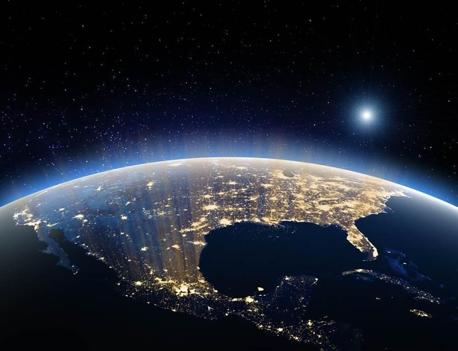 NASA新數據指出,名為死神的小行星將在2029年最接近地球。(地球示意圖/達志影像)