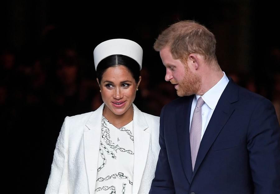 梅根與夫婿哈利王子3月11日在倫敦出席活動後準備離開的資料照。(路透)