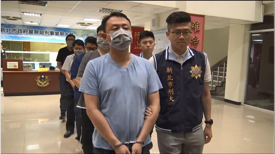 新北市政府警察局自2019年4月29日開始,配合內政部警政署規畫執行2019年第1次「全國同步掃黑行動」專案。(葉書宏翻攝)