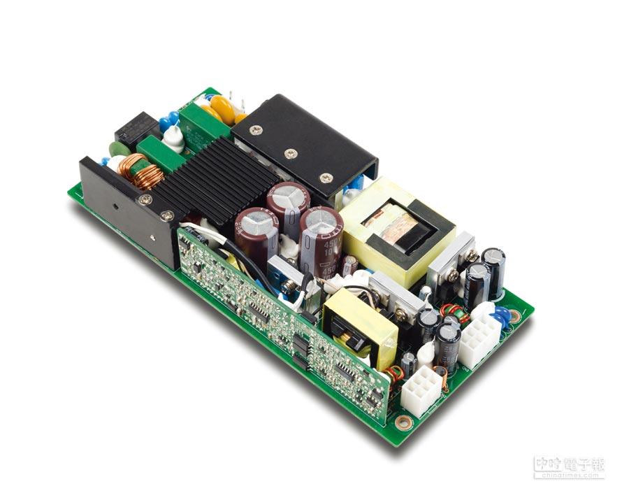 亞源500W嵌入型醫療電源。圖/江偉琳