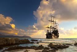 日海岸頻現「幽靈船」 一月內發現33艘載12具屍體