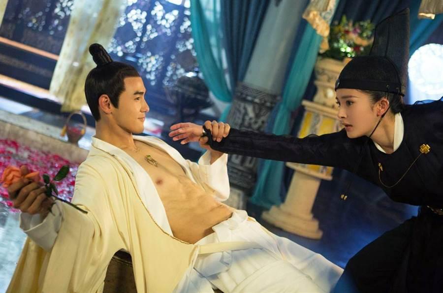 阮經天與楊冪合作新戲《扶搖》5月6日起於中天播出。(中天提供)