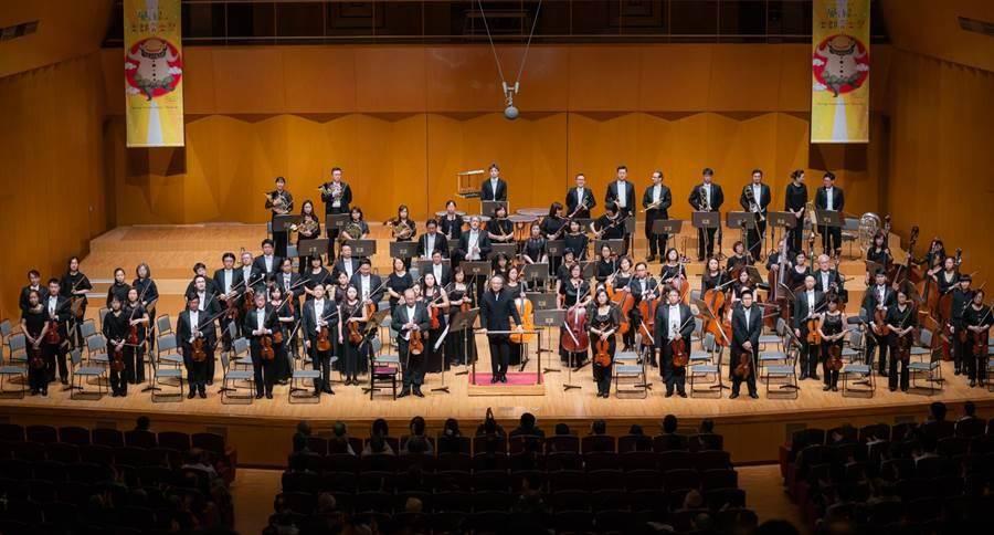 在音樂總監呂紹嘉指揮之下,NSO國家交響樂團表現可圈可點。(NSO提供)