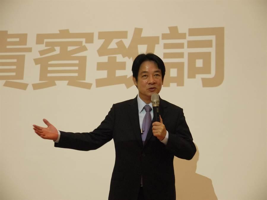 前行政院長賴清德4日參加台灣人工慧學校新竹分校第3期的開學典禮,以具體行動支持台灣人工智慧的發展。(陳育賢攝)