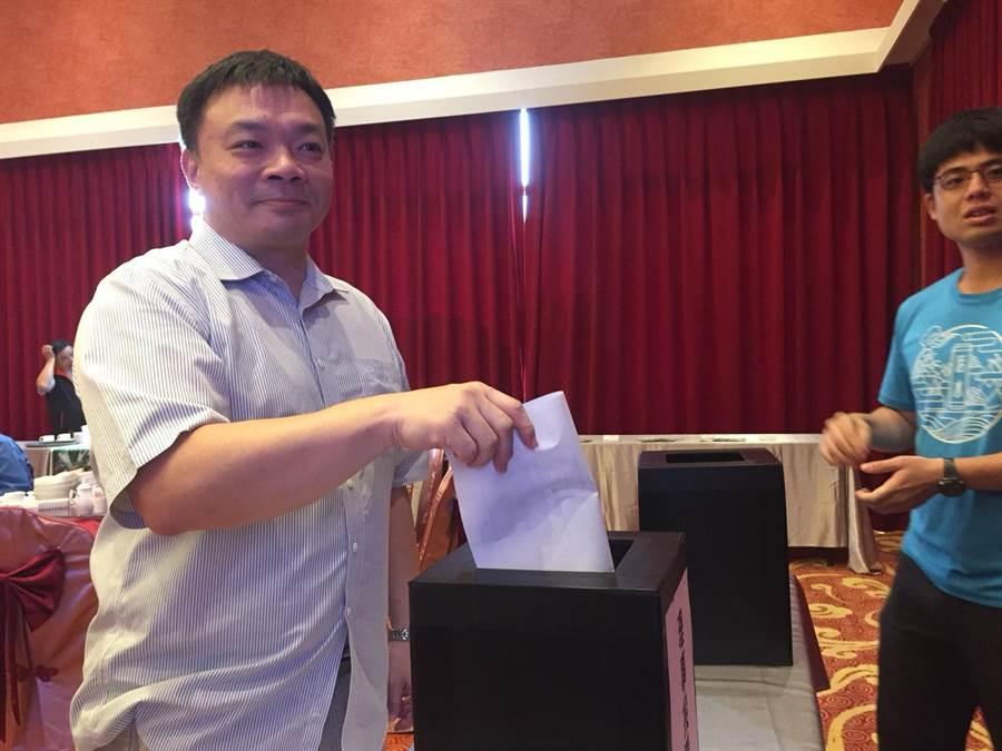 大台南市政倡議發展聯盟今天召開第1屆第1次會員大會,並進行理監事選舉。(曹婷婷攝)
