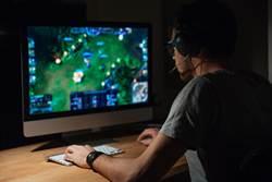 每日花18小時玩遊戲 少年靠直播電動賺6百萬