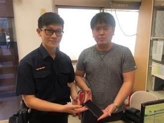 警高速尋回遺失手機 日籍遊客瞠目結舌