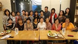 半百媽媽當志工 安平最資深志工隊慶母親節