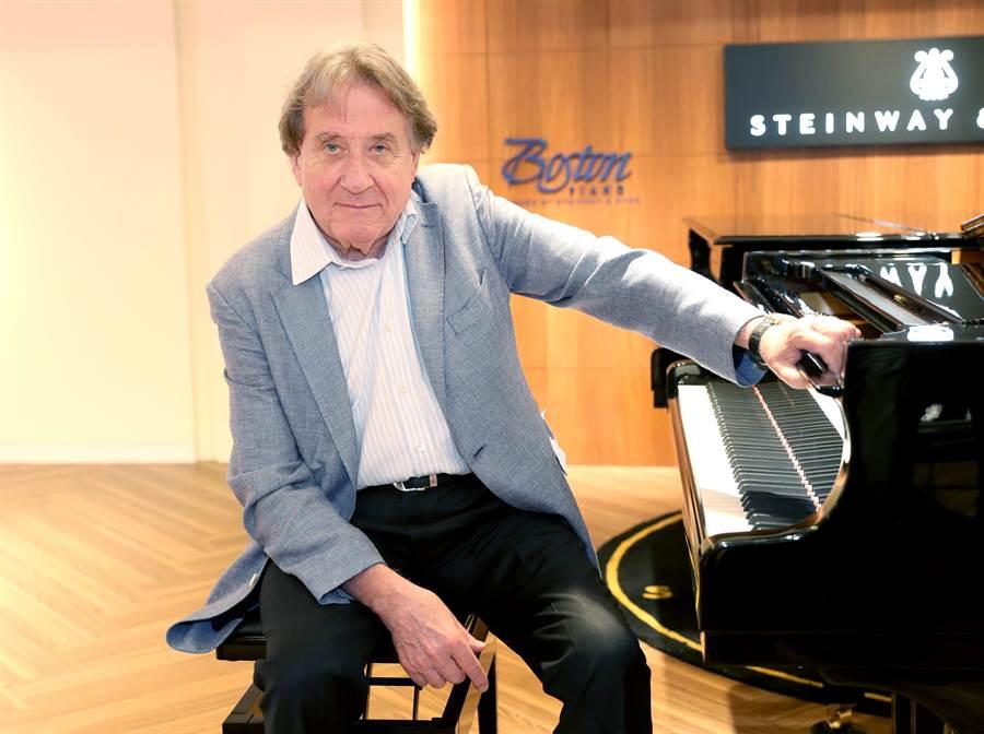 鋼琴大師布赫賓德5日抵台,與樂友分享他的鋼琴演奏心得。 (鄭任南攝)