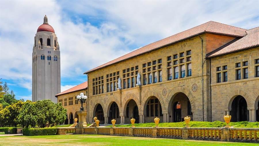 中國步長製藥董事長趙濤以2億台幣代價送女兒入讀史丹佛大學。(圖/shutterstock)