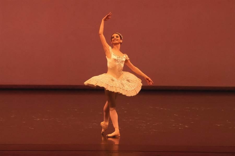 梵克雅寶贊助「第十三屆國際芭蕾舞星在台北」在國家戲劇院登場,圖為舞劇《睡美人》。(Van Cleef & Arpels提供)