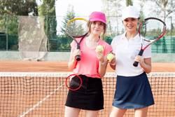 揭密:女網球員為何要在裙底藏球?