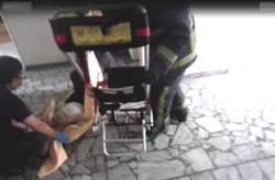 獨居老人在家餓昏 警探訪救命