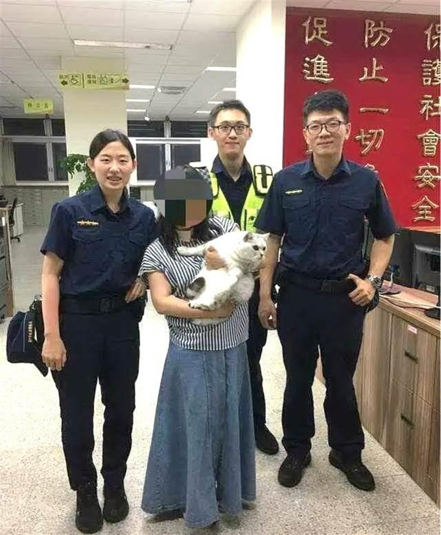 台中市警察調閱監視器,順利幫民眾找回離家一公里遠的愛貓,重回主人懷抱。(盧金足翻攝)