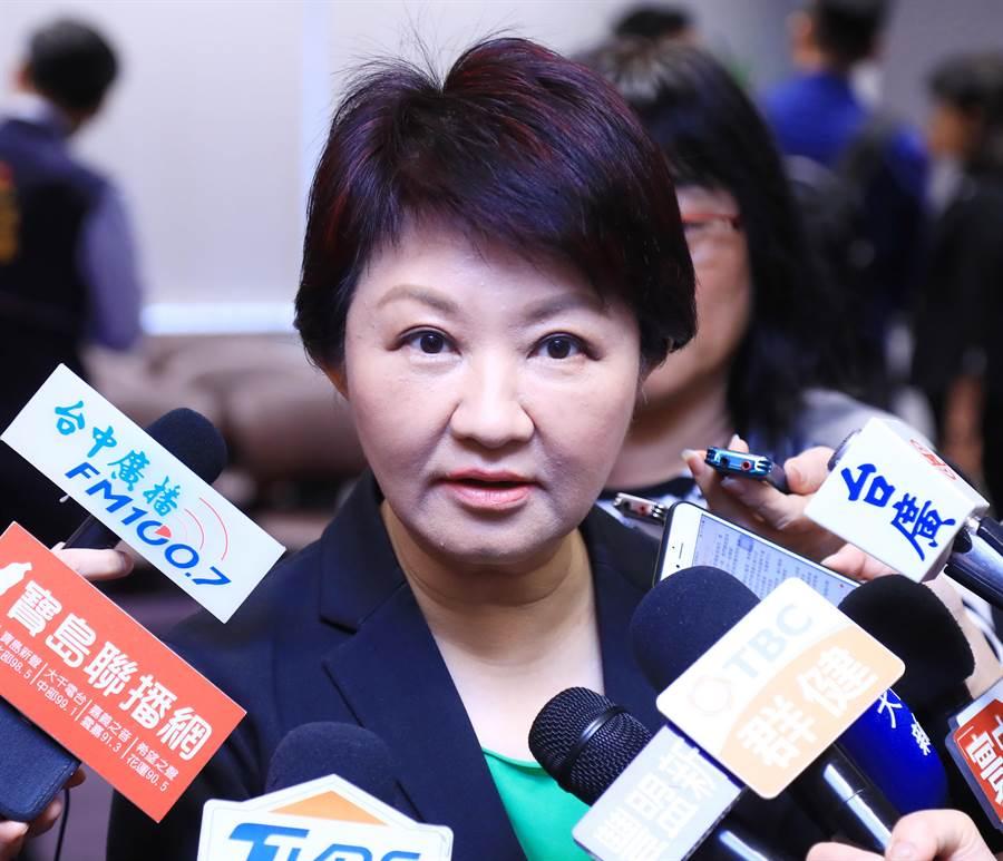 台中市長盧秀燕表示,汙染源的工廠或工地不要存有僥倖心理,市府不是只有新官上任三把火,她在降低環境汙染是偏執狂。(盧金足攝)
