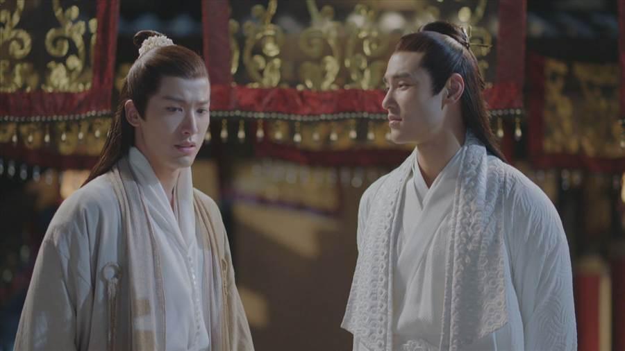 賴藝(左)大讚阮經天好相處,很快和男演員打成一片。中視提供