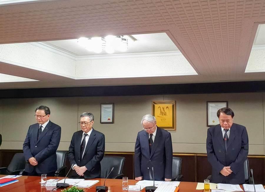 左起為台塑董事長林健男、南亞董事長吳嘉昭、台化副董事長洪福源、台塑化總經理曹明。