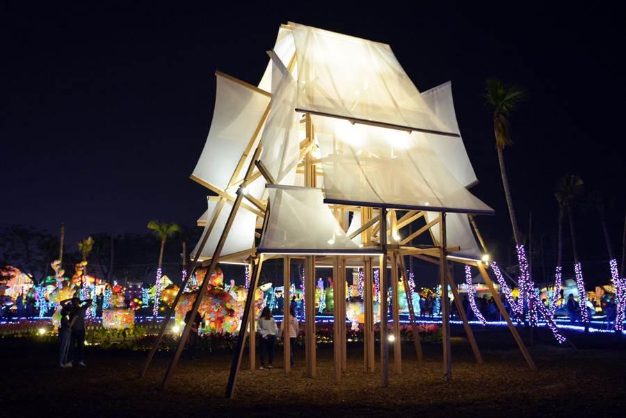 范承宗所做的「帆城」,獲得義大利國際設計大獎的鐵獎肯定。(林和生攝)