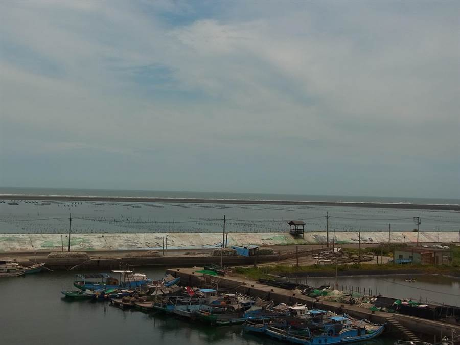 箔子寮漁港淤沙嚴重,雲林區漁會籲4單位協助解決。(張朝欣攝)