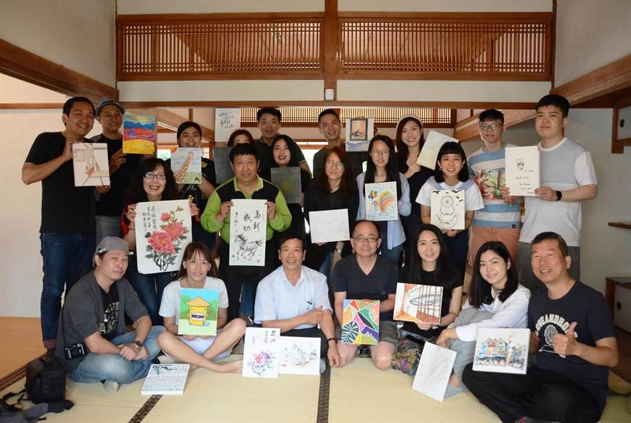 各國藝術家畫下雲林歷史建物,用畫筆讓「雲林上場」。(張朝欣攝)