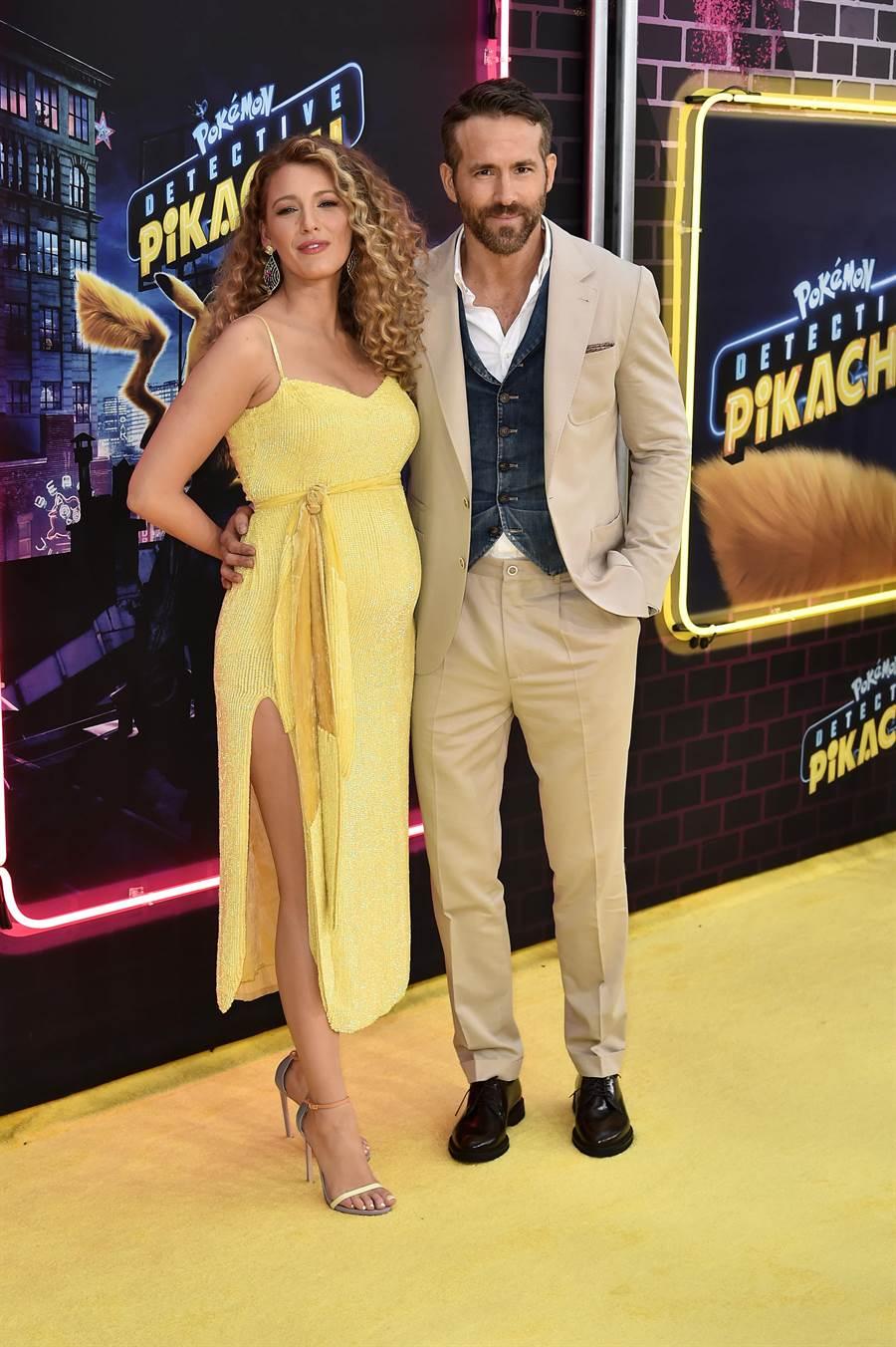萊恩雷諾斯(右)與老婆布蕾克萊芙莉出席《名偵探皮卡丘》洛城首映,萊恩穿BRUNELLO CUCINELLI米色西裝內搭白襯衫、丹寧背心,布蕾克穿Retrofete黃色洋裝帶球上路。(BRUNELLO CUCINELLI提供)