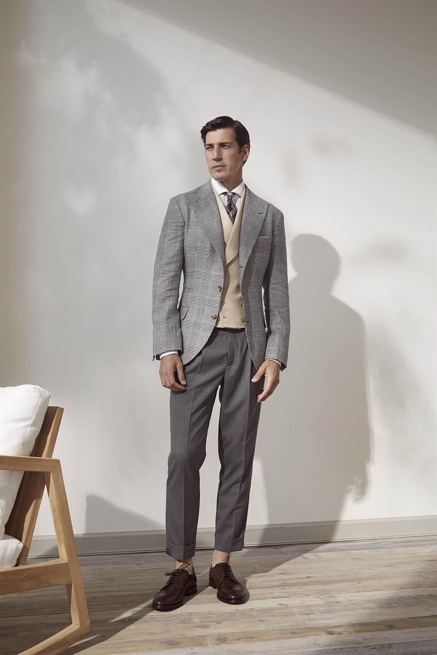 BRUNELLO CUCINELLI春夏劍領格紋西外套12萬8600元,雙排釦羊毛西裝背心6萬1900元,其他價格店洽。(BRUNELLO CUCINELLI提供)