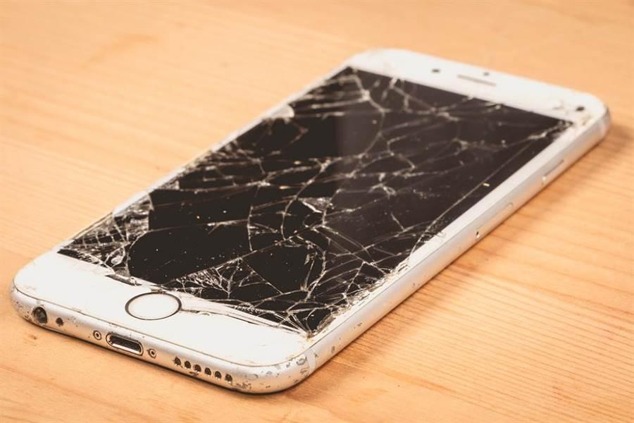手機示意圖非當事者。(圖/ 取自達志影像)