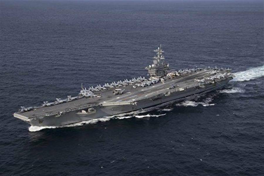 美國國家安全顧問波頓說,美國正在向中東部署林肯號航空戰鬥群(圖)和一支轟炸機特遣隊。(照片/美國海軍)