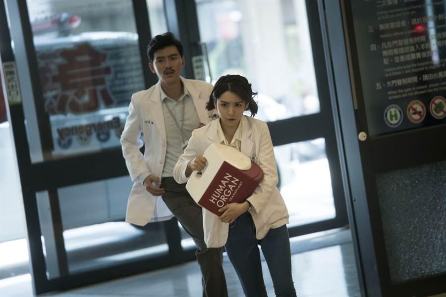 曾少宗、劉倩妏主演台灣首部器捐協調師職人劇《生死接線員》播出首週創公視紀錄。(公視)