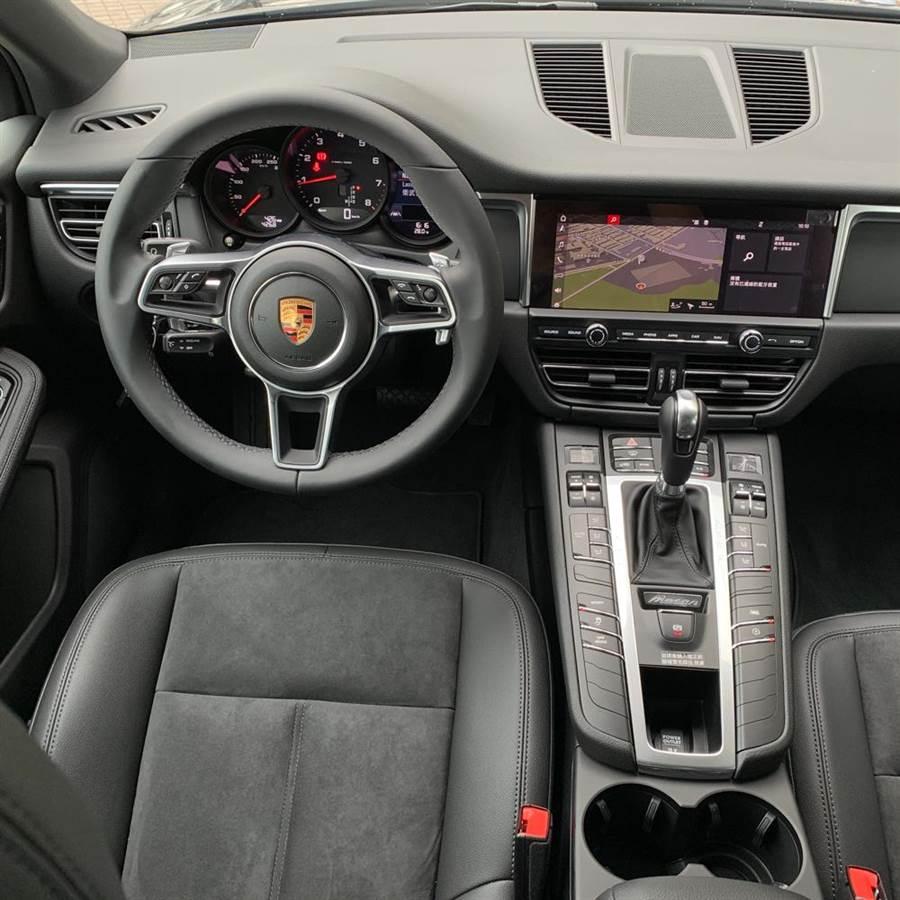 儀表控台的配置設計以駕駛人為導向。陳大任攝