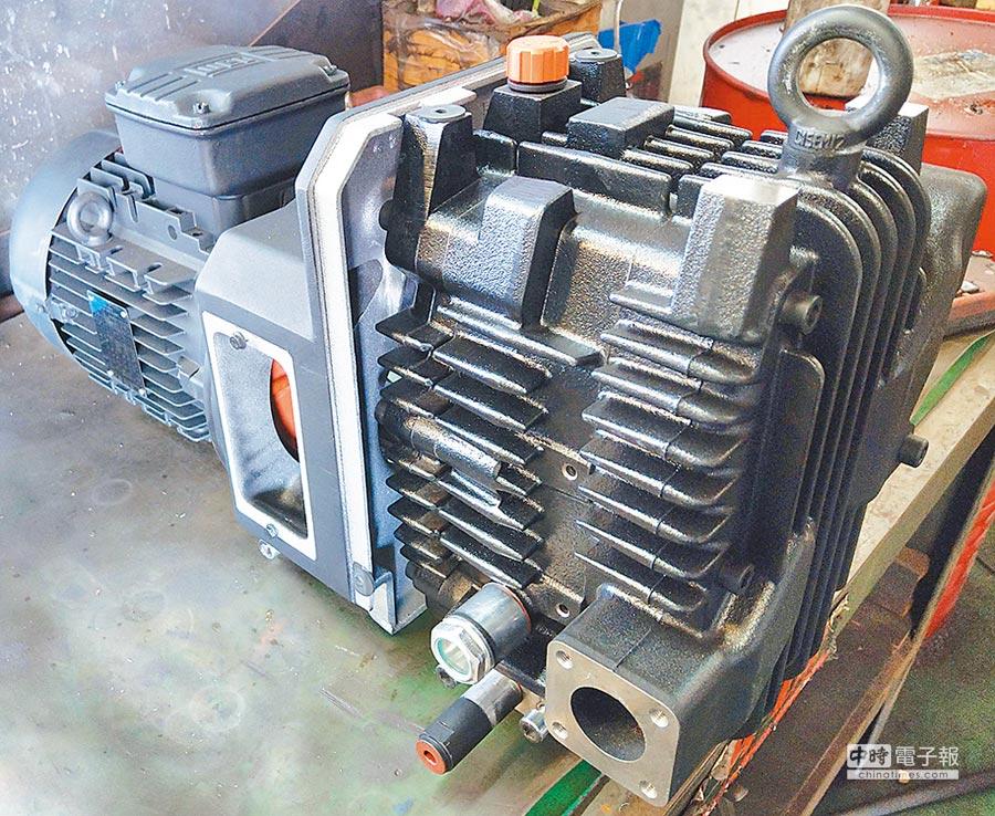 黑偉機械研發的燃料電池汽車空氣供應系統使用的空壓機內的爪式壓縮機雛形機,量產後將裝置於燃料電池汽車。圖/傅秉祥