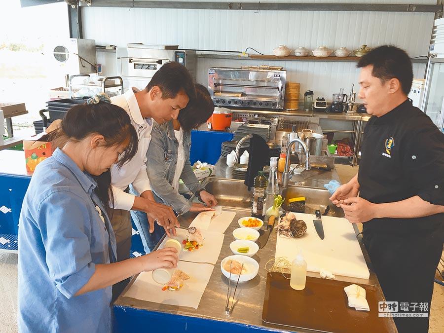 「宜蘭斑」是行政院國發會推動「設計翻轉  地方創生」計畫成功的範例,圖為「宜蘭斑」行動廚房。(宜蘭縣政府提供)