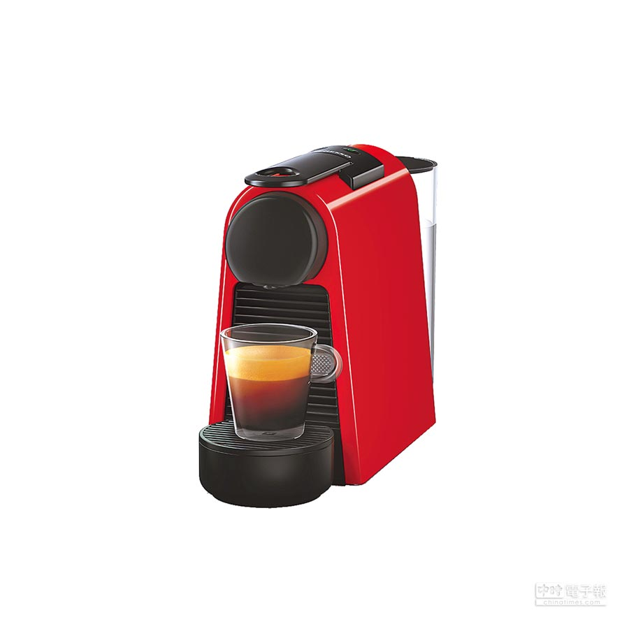 Nespresso推出15日前購買指定咖啡機,即享寵愛母親優惠價2900元起,加購5條膠囊再享500元折抵等優惠。(Nespresso提供)