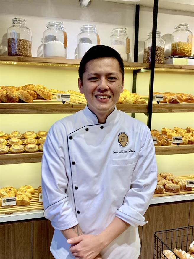 70年次的陳耀訓,雖非餐飲科班出身,21年的麵包經歷讓他對這行信心滿滿。(吳奕萱攝)