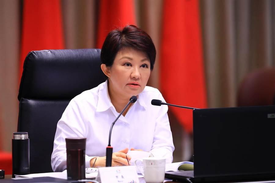 台中市長盧秀燕表示,提高智能客服精準度,適時介接真人文字服務,提供情境式有溫度的對話,創造更優質的納稅服務環境。(盧金足攝)