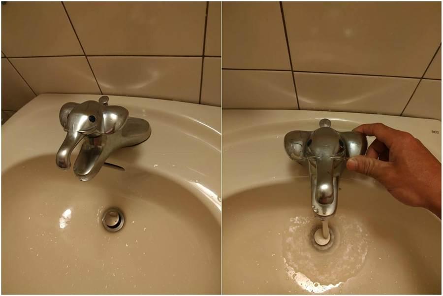 發現整間僅有浴室水龍頭是大象代表泰國元素,讓網友好氣又好笑。(翻攝爆廢公社公開版)