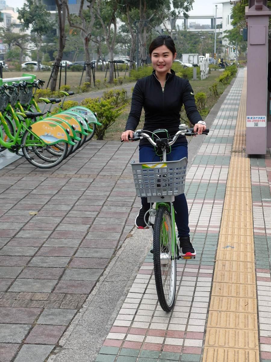 台南市公共自行車T-Bike使用人數突破190萬人次。(洪榮志攝)
